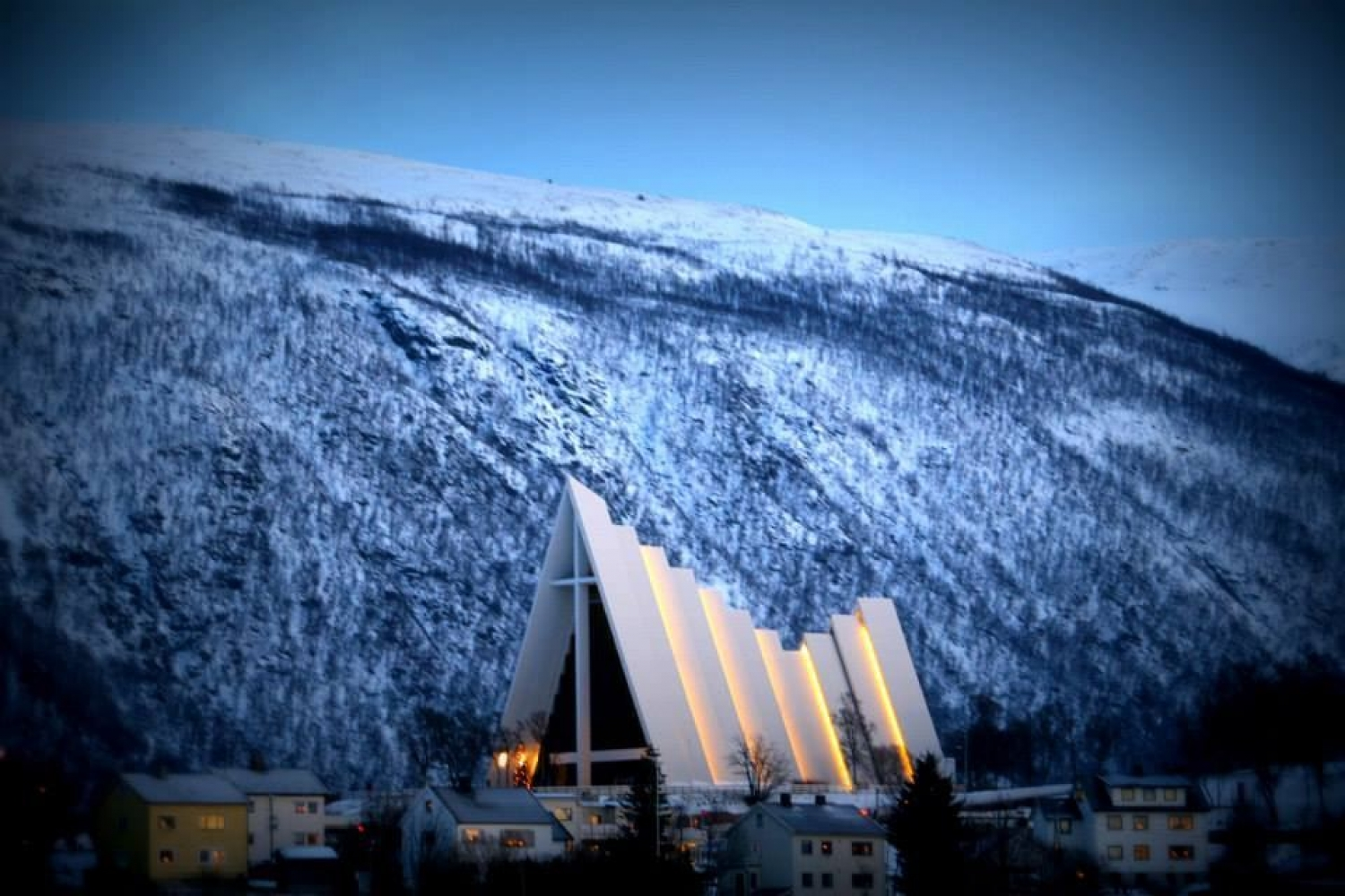 The Arctic Cathredral in blue light